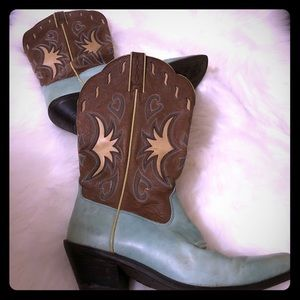 Ariat boots size 8 mint green and brown